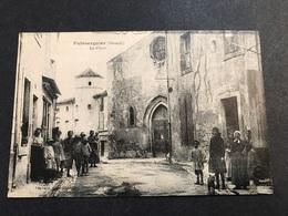 Puisserguier La Place Animée - Francia