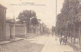 Marne        746        Epernay.Rue Du Donjon.Etablissement Notre Dame - Epernay