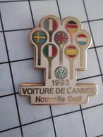 1116c Pin's Pins / Beau Et Rare / THEME : AUTOMOBILES / VW GOLF VOITURE DE L'ANNEE 92 Par ?ACABI - Volkswagen