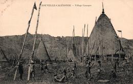 Nouvelle Calédonie - Grande Case En Tribu, Village Kanak (Canaque) Carte Non Circulée - New Caledonia