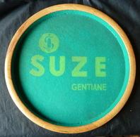 Publicité SUZE - Piste De 421  Des Années 50 En Bois - Marque Déposé, Insonore - Alcools