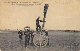 CPA MILITARIA GRANDES MANOEUVRES DU CENTRE 1908 OFFICIER D'ARTILLERIE UTILISANT UN TRAIN DE CAISSON POUR OBSERVER - Materiaal