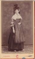 PHOTO CDV  COSTUME TRADITIONNELLE BRESSANE PHOTO CANARD A LOUHANS - Anciennes (Av. 1900)