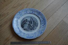 X Assiette Plate Platte  Plaat  Placa  Décalco  Sarguemines Gutemberg Imprimerie Presse à Main Porcelaine Opaque Av 1920 - Sarreguemines (FRA)