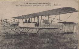 Toussus Le Noble : M.Fourny Donnant Une Leçon Sur Son Biplan Farman - Toussus Le Noble