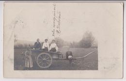 CARTE PHOTO D'UN ATTELAGE - CHARRETTE A BRAS - MARCHANDS AMBULANTS ? - ECRITE DE TURIN (TORINO) EN 1905 - 2 SCANS - - Ambulanti