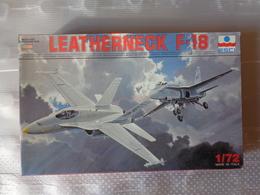 Maquette Avion Militaire-en Plastique-1/72 Esci Leatherneck F-18   Ref 9047 - Airplanes