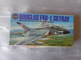 Maquette Avion Militaire-en Plastique-1/72 Airfix Douglas F 40-1 Skyray    Ref 03027 - Airplanes