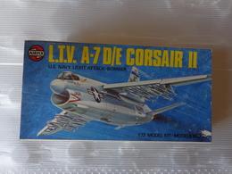 Maquette Avion Militaire-en Plastique-1/72 Airfix L.t.v. A-7 D/e Corsair II   Ref 03016 - Airplanes