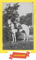 CPA Photo Militaria SOLDAT CAVALIER ♦♦☺ à SITUER ֎ Cheval - Coiffe Arabe - Chapeau - Otros