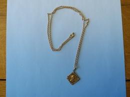 Médaille Marie Signature Difficile A Lire - Religion & Esotérisme