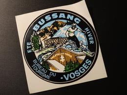 Blason écusson Adhésif Autocollant Bussang Office De Tourisme  Wappen Aufkleber Coat Arms Sticker Adesivo Adhesivo - Oggetti 'Ricordo Di'