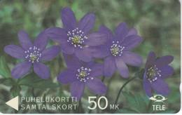 (8FINA) TARJETA DE FINLANDIA DE UNAS FLORES 50MK (FLOR-FLOWER) - Finland