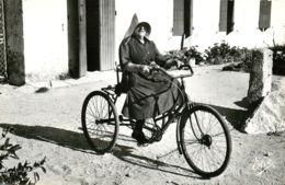 17* OLERON CPSM   Femme Au Tricycle - Ile De Ré