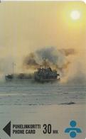 TARJETA DE FINLANDIA DE UN PAISAJE Y BARCO (SHIP) DE TIRADA 3000 - Finlande