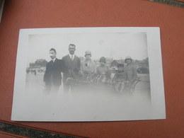 Carte Photo 9x14 DD V Souvenir De Berck Plage 1927 Une Famille Dont Un Poilu Gueule Cassee Bon Etat - Berck