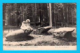 CPA PK TERVUEREN Dans Le Parc, Les Dolmen ( Animée ) - L.L. B - N. 44 Ser. 17- Circulée En 1905 - 2 Scans - Tervuren