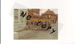 DUNKERQUE. EQUIPE CYCLISTE DE L USD . ANNEE 70. PEUGEOT ORANGINA. - Cyclisme