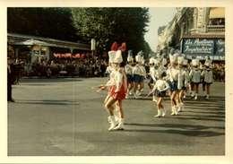 03] Allier > Vichy  / MAJORETTES  /PHOTO  12X8  / LOT 4033 - Vichy