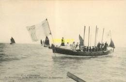 29 Audierne, La Bénédiction De La Mer Sur Un Canot De Sauvetage - Audierne