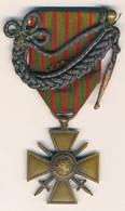 J91 - Médaille Croix De Guerre 1914 - 1915 Avec Palme Et Fourragère Dans Sa Boite D'origine - France