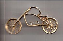 REF MON3  : Broche Dorée 6 Cm Vélo Cyclisme - Accessories