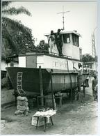 Photo Zaïre Kinshasa. Constructeur Naval Sur La Voie Publique Photo-service PP. Blancs - Afrique