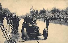 GRAN PREMIO DE EUROPA 1925 (CIRCUITO DE SPA).- ASCARI HACIENDO EL COMPLETO DE BENCINA PARA SU MÁQUINA - Grand Prix / F1