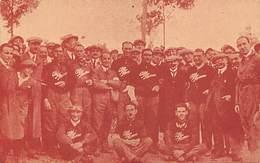 GRAN PREMIO DE ITALIA 1924.- EL INGENIERO NICOLA ROMEO, RODEADO DEL EQUIPO ALFA ROMEO Y DE ALGUNOS INGENIEROS DE LA CASA - Grand Prix / F1