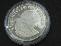 Médaille VATICAN - BENEDICTUS XVI PONT.MAXIMUS MMX     **** EN ACHAT IMMEDIAT *** - Royaux / De Noblesse