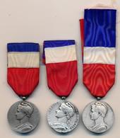 J91 - Lot De Trois Médailles Du Travail En Argent - Andere