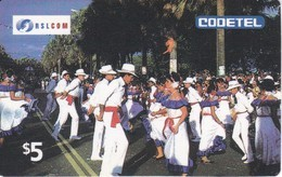 TARJETA DE REPUBLICA DOMINICANA DE BAILES TIPICOS DE CODETEL $5 - Dominicana