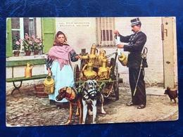 """Bruxelles-""""Inspecteur De Police Et Laitière Flamande Avec Leur Attelage De Chien Au Repos"""" (2173)--1914 - Artisanat"""