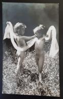 Enfants Dévêtus Avec Un Foulard - Enfants