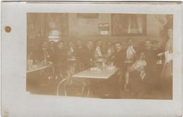 76     Forges Les Eaux    Carte Photo   Interieur De Cafe - Forges Les Eaux