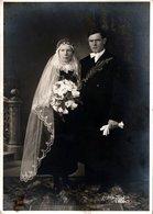 Carte Photo Originale Portrait D'un Couple De Mariés Vers 1900/10 - Coiffe Longue Par Foto Zeiler Erding - Personnes Anonymes