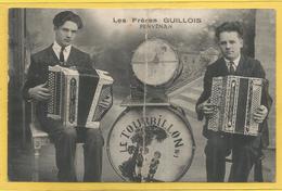 Cpa Du 22 Penvénan Les Frères Guillois Le Tourbillon Accordéonistes Orchestre De Bal ( Etat ) - Penvénan