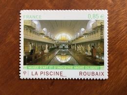 ADHESIF DE FEUILLE - 2010 - LA PISCINE ROUBAIX Y&T 467 - 0,85€ - Neuf ** - France