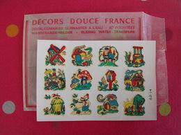 Décalcomanies 1960-70. Décors Douce France. Transfert Décalcomanie. Chateau Puit Moulin Champignon Chaumière Meule Pont - Old Paper
