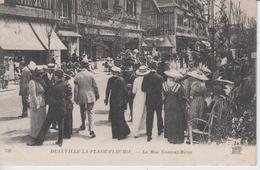 CALVADOS - DEAUVILLE LA PLAGE FLEURIE - La Rue Gontaut Biron - Deauville