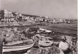 ACITREZZA - PANORAMA DAGLI SCOGLI, CON BARCHE IN BELLA MOSTRA - VIAGGIATA 1963 - Altre Città