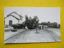 Photo Des Archives Ferroviaires ,Train En Gare De Ségonzac - Trains