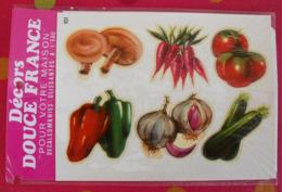 Décalcomanies 1960-70. Décors Douce France. Transfert Décalcomanie. 101. Légumes Champignon Carotte Tomate Poivron - Old Paper