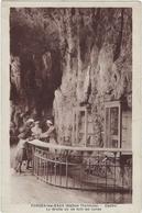 76     Forges Les Eaux  Casino  La Grotte Ou Se Font Les Cures - Forges Les Eaux
