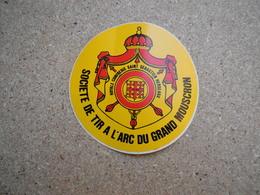 Autocollants.autocollant  (stickers.sticker) Société De Tir à L'arc Du Grand Mouscron, Rare - Pegatinas