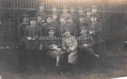 CARTE PHOTO  METZ  1915 FESTUNGSFLIEGER ABTEILUNG   (AVIATEURS ?) - Metz