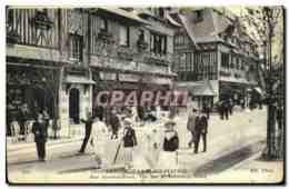 CPA Deauville La Plage Fleurie Rue Gontaut Biron Vue Sur Le Normandy Hotel - Deauville