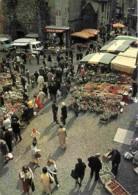 Marchés - Saint Flour - Un Jour De Marché - Automobiles - Camionettes - Carte Neuve - Voir Scans Recto-Verso - Marchés