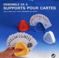 SUPPORTS POUR TENIR LES CARTES DE JEUX  X 4 - Other Collections
