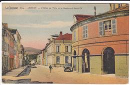 PUY  DE  DOME    AMBERT  L'HOTEL DE VILLE ET LE BOULEVARD HENRI IV - Ambert